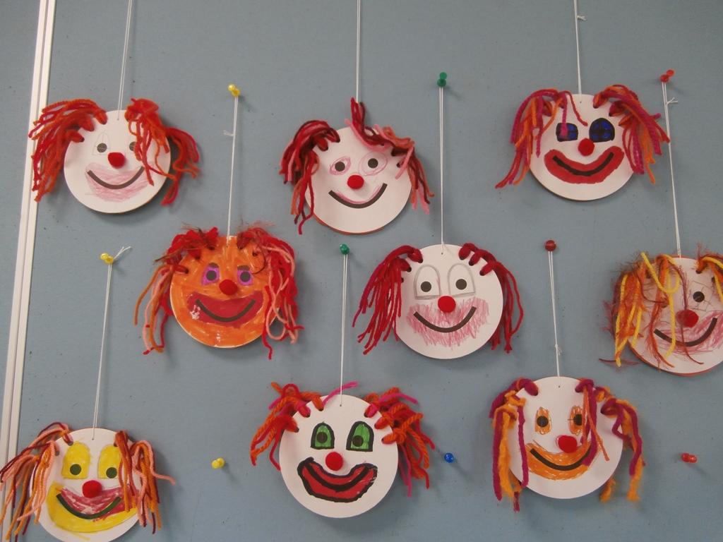 lustige clowns volksschule gutau. Black Bedroom Furniture Sets. Home Design Ideas